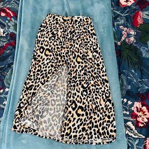 NWOT Leopard print skirt with high front split